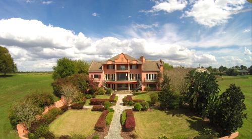 Stunning virtual tour: Estate in SW Orlando